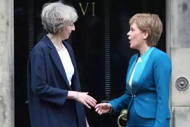 """苏格兰:既然你要""""脱欧"""",给我一个跟你走的理由"""