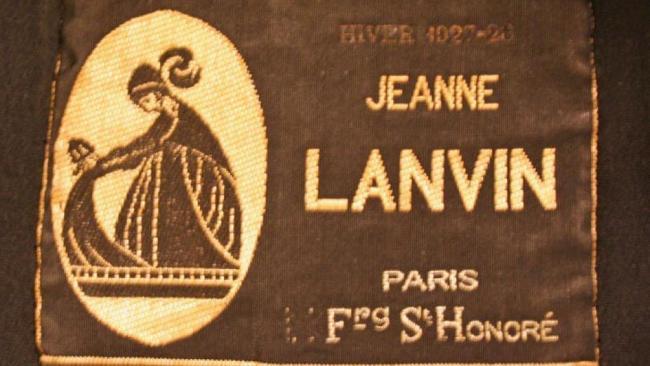 coat_met_1979.574.1_label.jpg