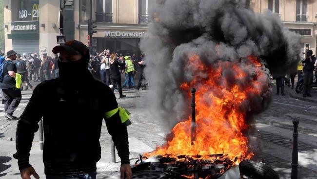 2019-04-20t175251z_1359174740_rc137c0acb00_rtrmadp_3_france-protests.jpg