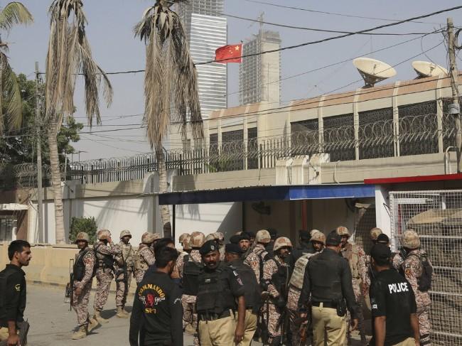 中国驻巴基斯坦卡拉奇总领馆遭俾路支分离武装袭击.jpg