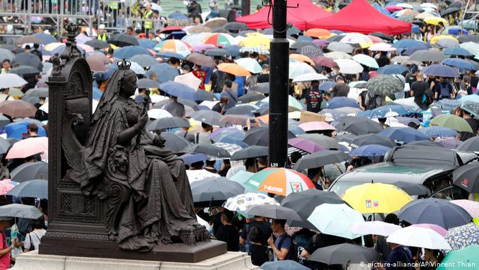 Hongkong Demonstration und Proteste (picture-alliance/AP/Vincent Thian)