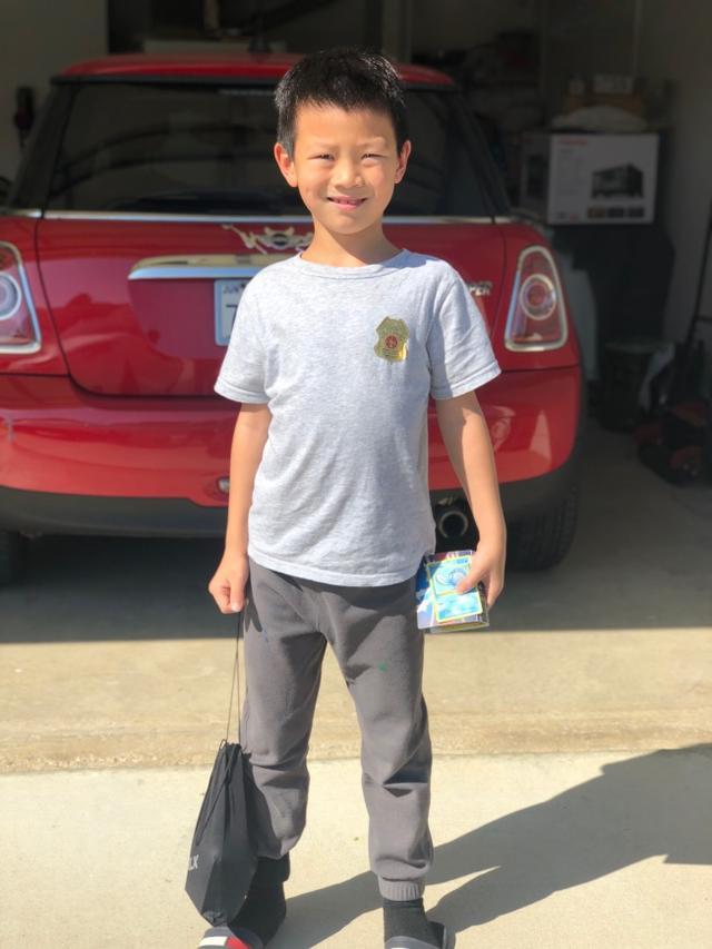 美国山火半夜蔓延至社区 7岁华裔男孩英勇救邻居获赞