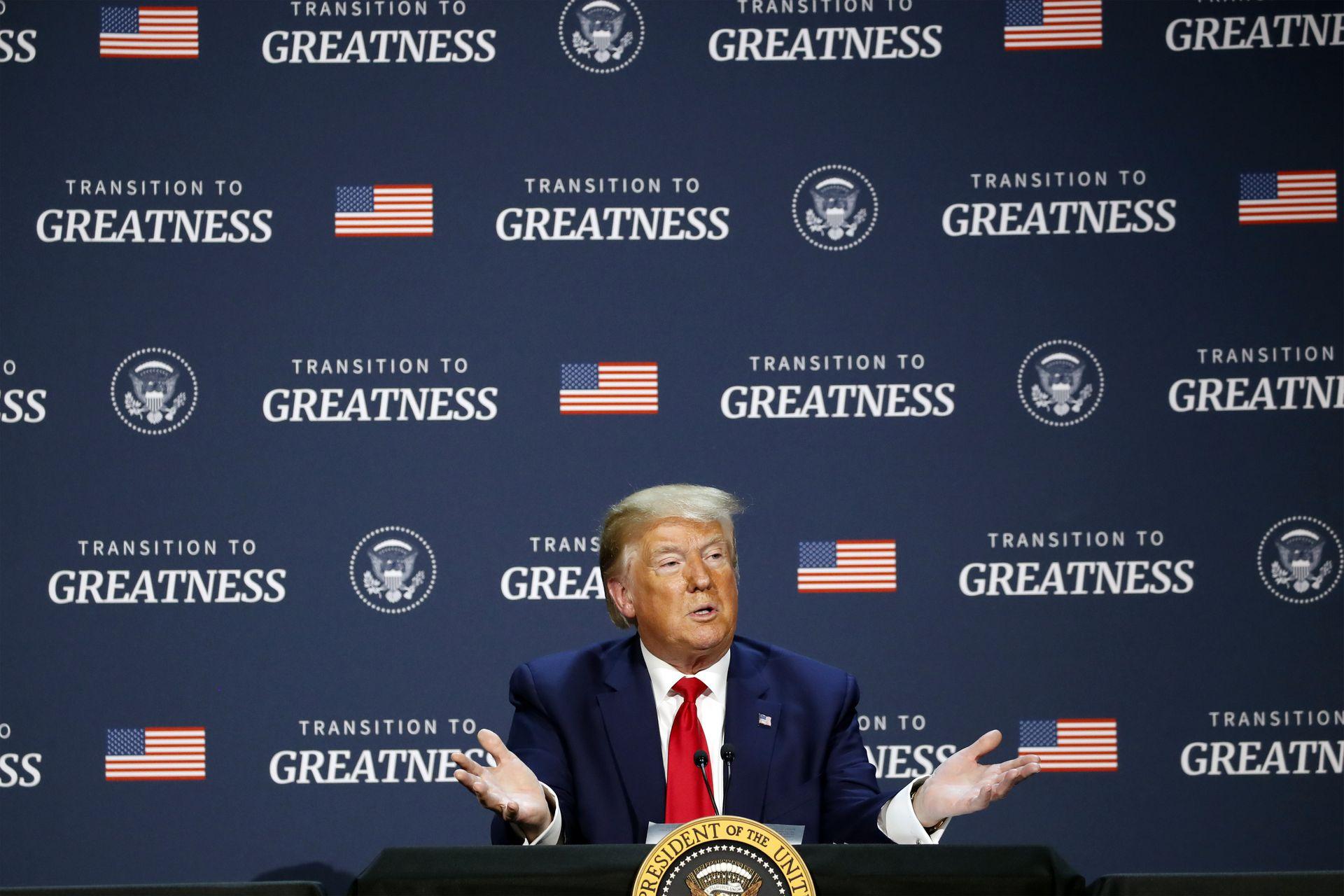"""特朗普谋求""""让美国再次伟大"""",但他能否交出一份让选民满意的答卷令人怀疑。(AP)"""