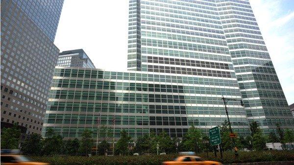 位于纽约曼哈顿下城的证券及投行巨头高盛公司总部大楼。(图片来源:STAN HONDA/AFP via Getty Images)