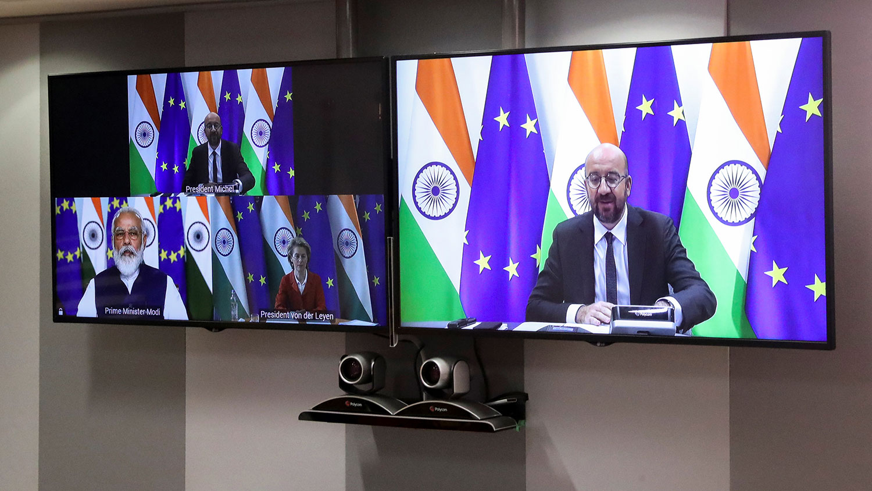 2020年7月15日,印度总理莫迪(Narendra Modi)与欧洲理事会主席米歇尔(Charles Michel)、欧洲联盟(EU)执行委员会主席范德莱恩(Ursula von der Leyen)主持的印度与欧盟视讯峰会。(路透社)