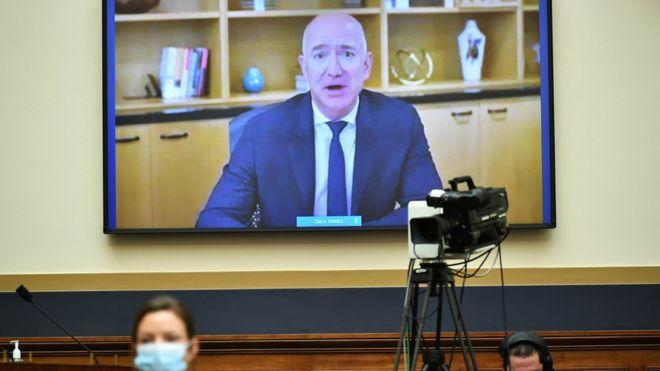 亚马逊CEO贝佐斯(Jeff Bezos)通过远程视频向美国国会众议院司法委员会反托拉斯、商法和行政法小组委员会听证会作证(29/7/2020)