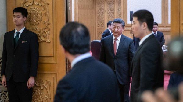 习近平2019年4月24日在北京大会堂迎宾