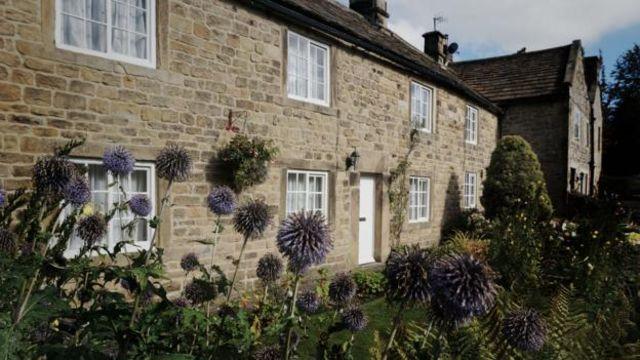 """如今,类似这样的村舍被称为""""瘟疫之屋"""",因为居住在这里的家庭曾惨遭黑死病的蹂躏(图片来源:Eleanor Ross)"""