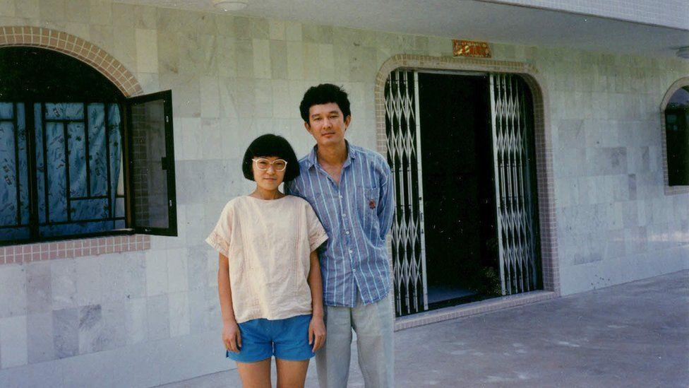 1989年8月至11月,项小吉与妻子住在香港西贡