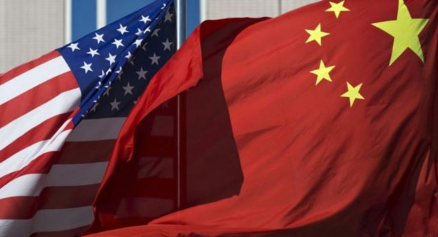 美中两国国旗(美联社)