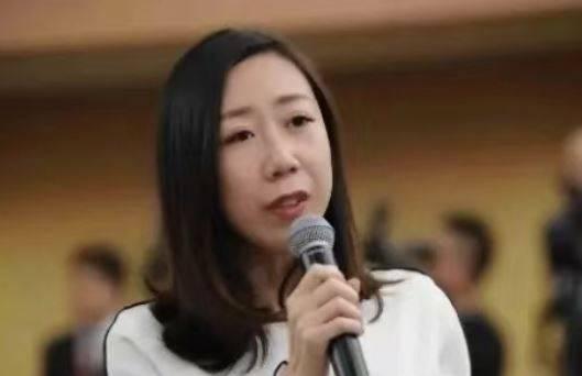 中国网友起底,与胡锡进同公司的职员高颖。(图取自微博)