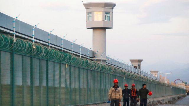 2018年,中国当局在新疆各地迅速而广泛地建立起庞大的营地和监狱系统。