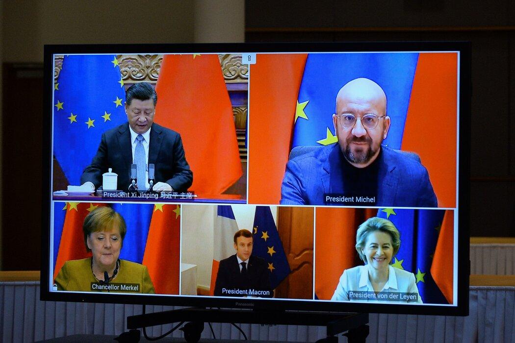 习近平与欧洲领导人一起在上周三的视频会议上批准了中欧投资协定,等于对美国孤立中国的努力进行了批评。