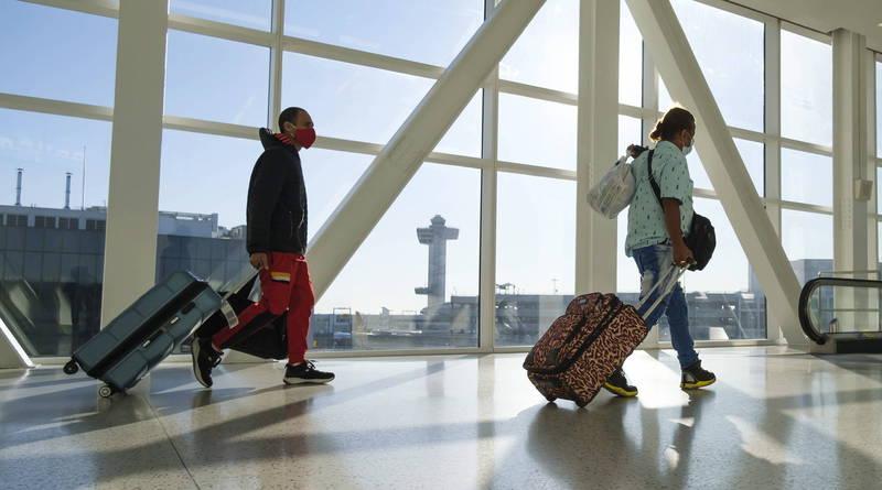 拜登將禁止近期曾前往南非的非美國公民入境美國。圖為美國甘迺迪國際機場。(歐新社)