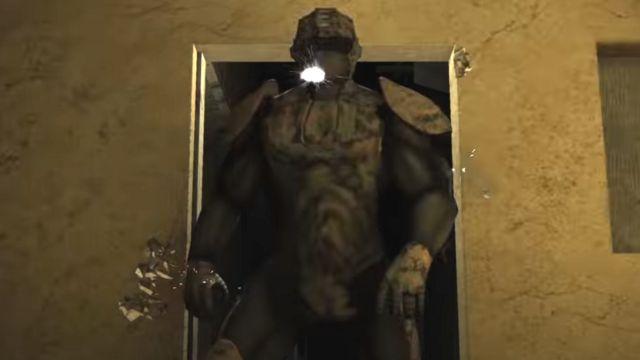 美军宣传视频屏幕截图,显示了原型机器人外骨骼