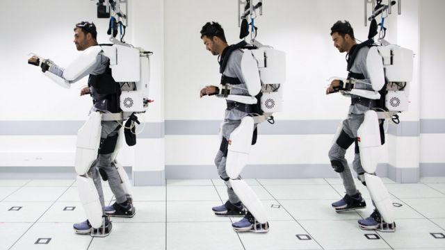 这个受精神控制的外骨骼让瘫痪的人再次行走