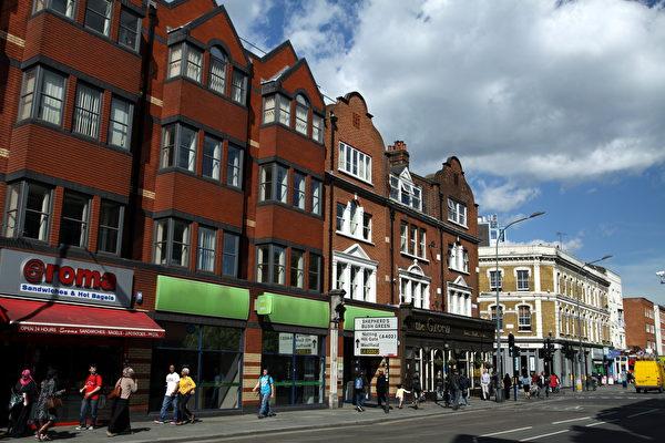 Hammersmith-commons.wikimedia.org_-600x400.jpeg
