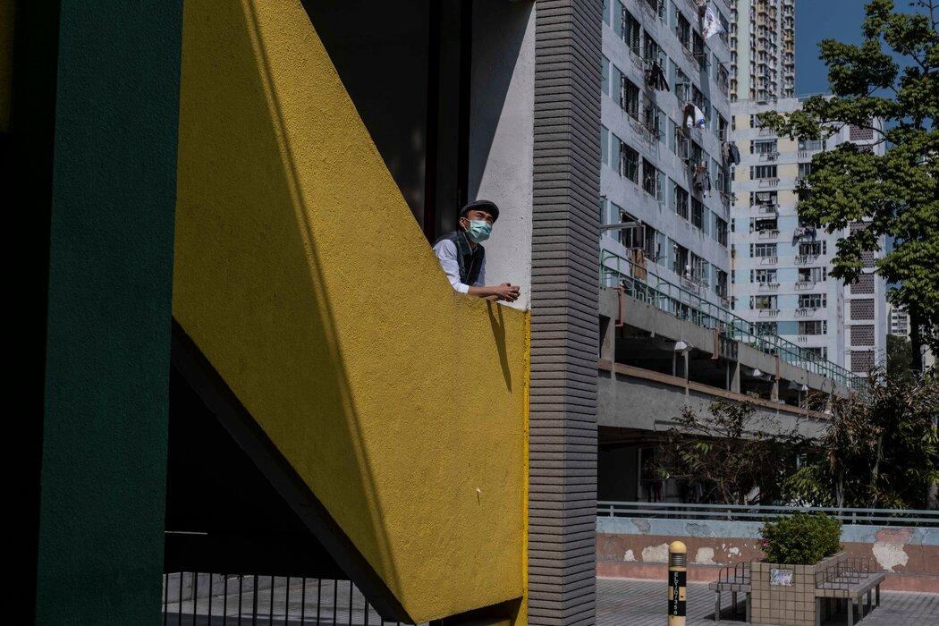"""通识教育老师陈喜同(音)说,政府的新叙述只要求学生""""背书以及遵从当局""""。"""