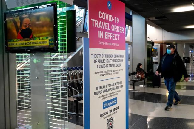 cicago-airport-traveller.png