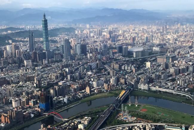2019-08-16T103603Z_1296817534_RC1DC0B30AE0_RTRMADP_3_TAIWAN-ECONOMY-GDP.jpg