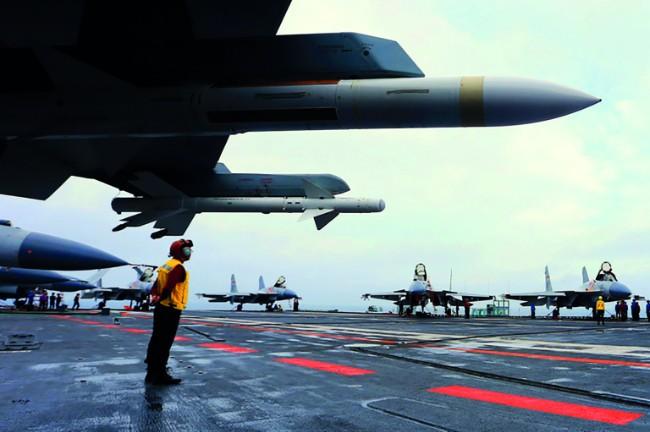 美海军航母在南中国海.jpg