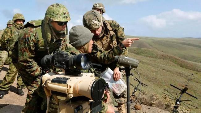 日本自卫队与美军在鹿儿岛举行联合夺岛演习.jpg