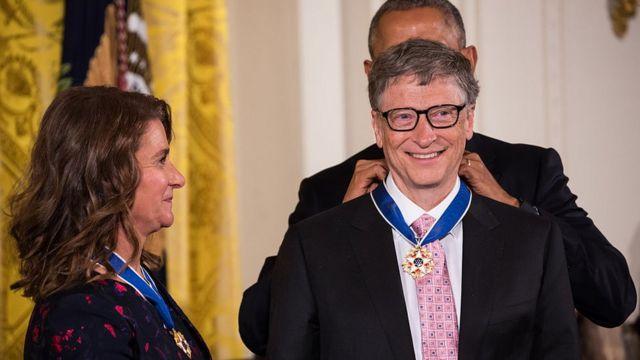 2016年,时任美国总统巴拉克·奥巴马(Barack Obama)授予两人总统自由勋章。