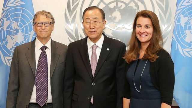 2015年,比尔和梅琳达在联合国会见时任联合国秘书长潘基文。