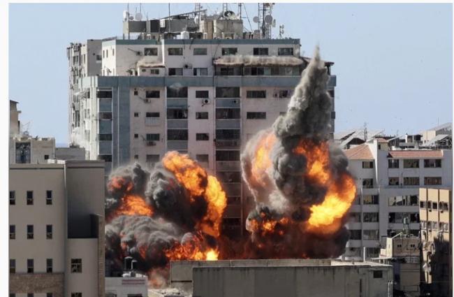 以军狂轰加萨1小时 美联社半岛电视台大楼被炸