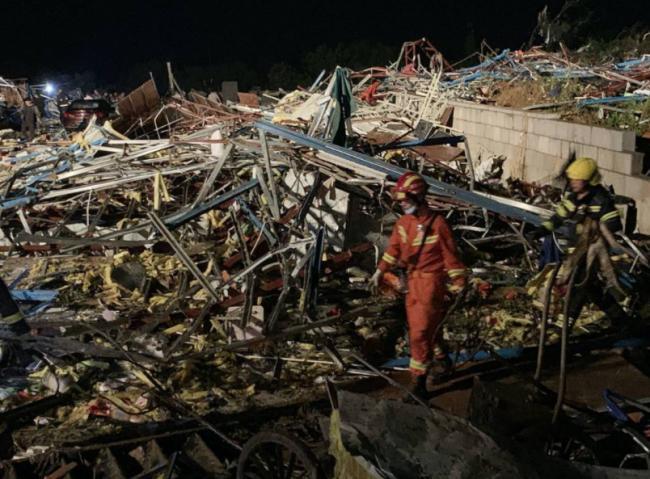 武汉、苏州遭龙卷风袭击  至少12死 惨状曝光