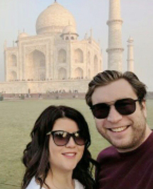 jennifer-robertson-shared-a-picture-of-herself-and-husband-gerald-cotten-at-the-taj-mahal-.jpg