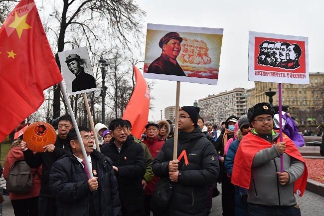 参加俄共集会的莫斯科华人,俄左翼已警告中共勿步苏共后尘.jpg