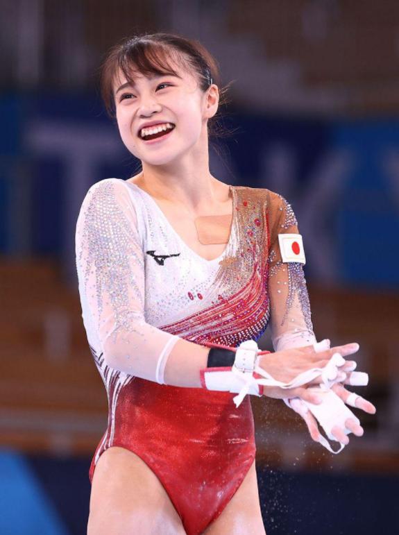 日本体操妹超甜 火辣紧身衣让网友喊:恋爱了