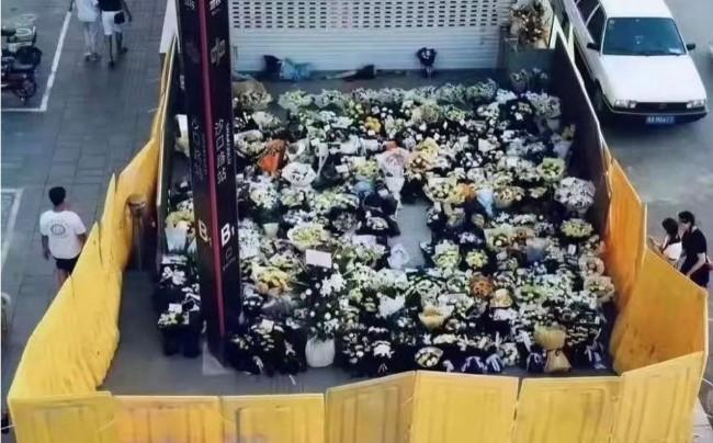 允许用鲜花寄托对死难者的哀思——共产党就会垮