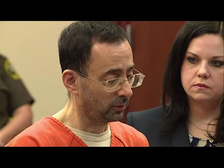 美國體操隊前隊醫納薩爾涉嫌性侵多名女童,2017年11月22日在密西根法庭出庭受審。圖:翻攝自Youtube