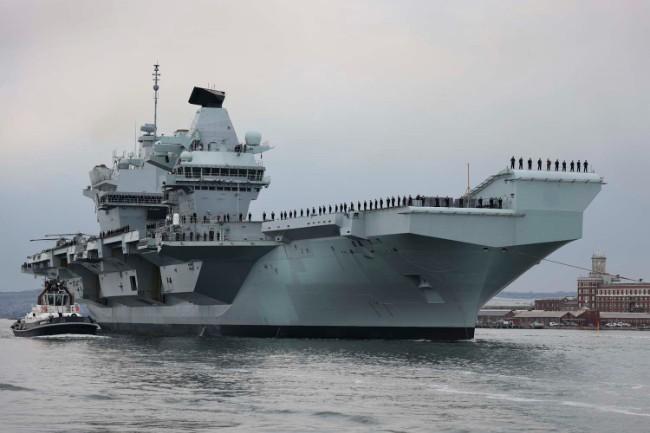 HMS_Queen_Elizabeth_sails_from_HMNB_Portsmouth_for_Exercise_Strike_Warrior_(2).jpg
