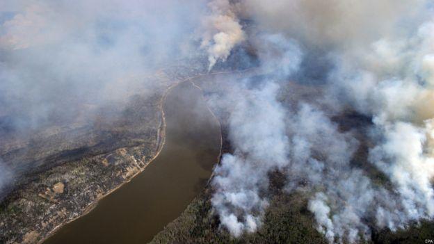 加拿大林火越来越大  第二次紧急疏散