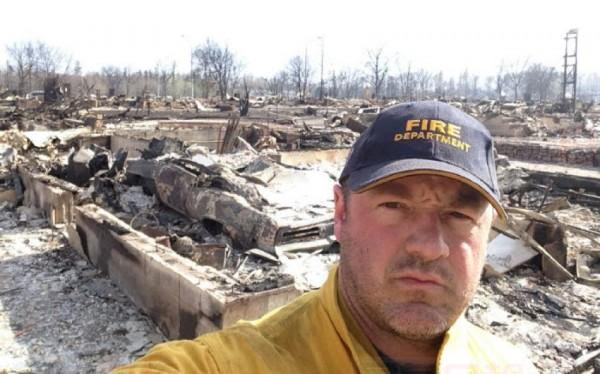 加国消防员太伟大!Fort McMurray仍活着