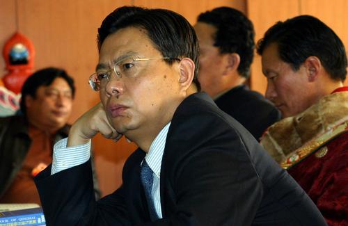 一口陕西腔 团派大将赵乐际成18大政治局黑马