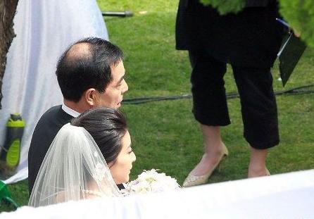 """郭霍大婚仪式完成 跳水公主已变""""霍师奶"""""""