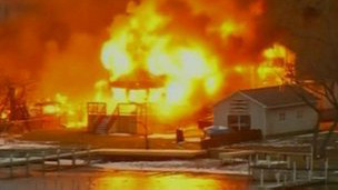 圣诞惨剧 美国两消防员救火遭枪击身亡(图文)