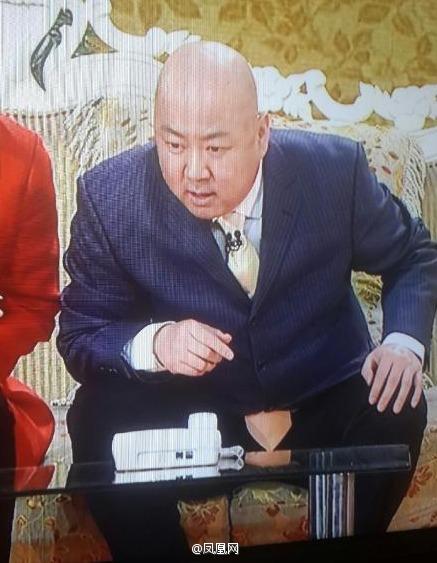 郭冬临小品太搞了:乍看还以为裤裆裂了(