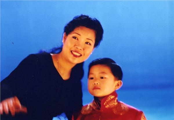 李天一被曝在美欲毒死同学:来中国捏死你