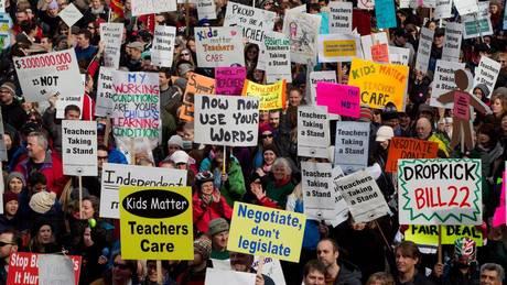 BC教联VS省府:罢工与反制的27年 孩子最倒霉