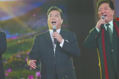儿子入狱后李双江首商演 好友:没离婚