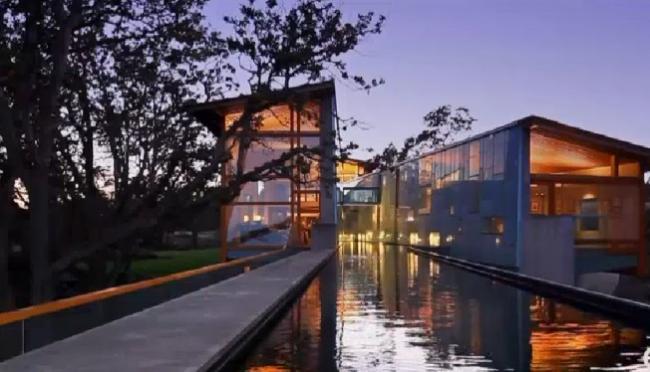 温哥华岛河流穿行的豪宅 叫价1300万