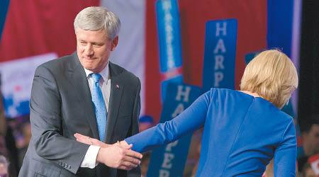 加拿大崇尚开放 哈珀的强硬玩不下去