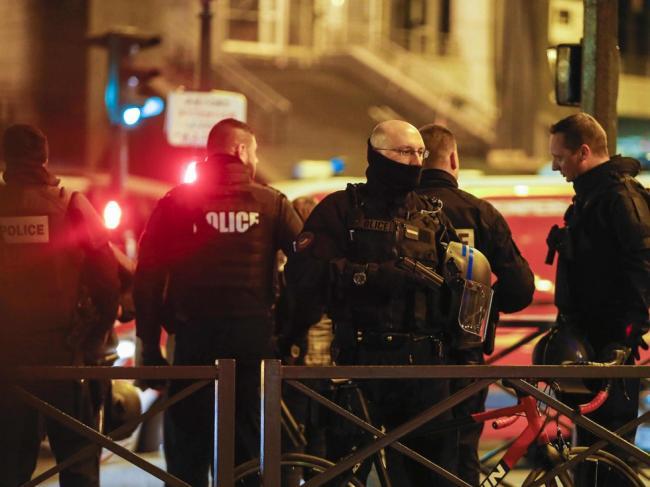 新型恐袭血染巴黎 郭声琨紧急部署应对