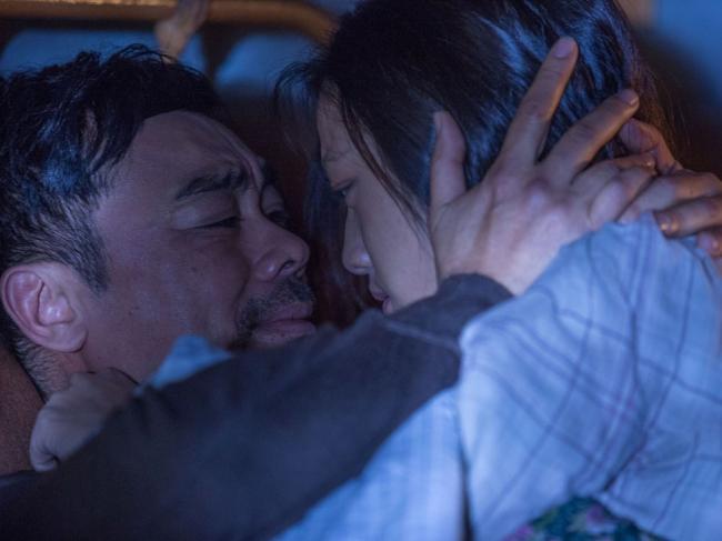 月色下拥吻 汤唯自曝入戏太深爱上刘青云