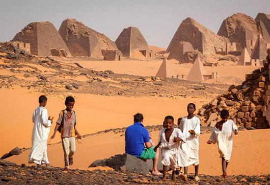 这里金字塔比埃及多得多